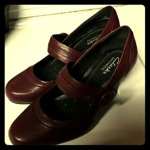 Clarks bendables size 6.5m.  Not worn